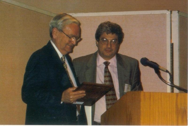 meeks-accepts-schonfeld-award